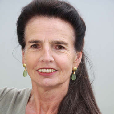 Barbara Theiss